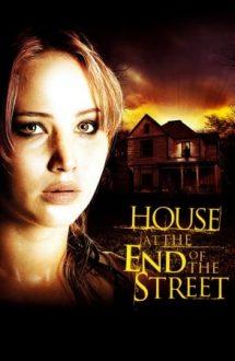 House at the End of the Street – O casă la capătul străzii (2012)